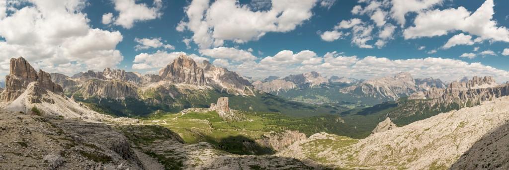 mountain range concept