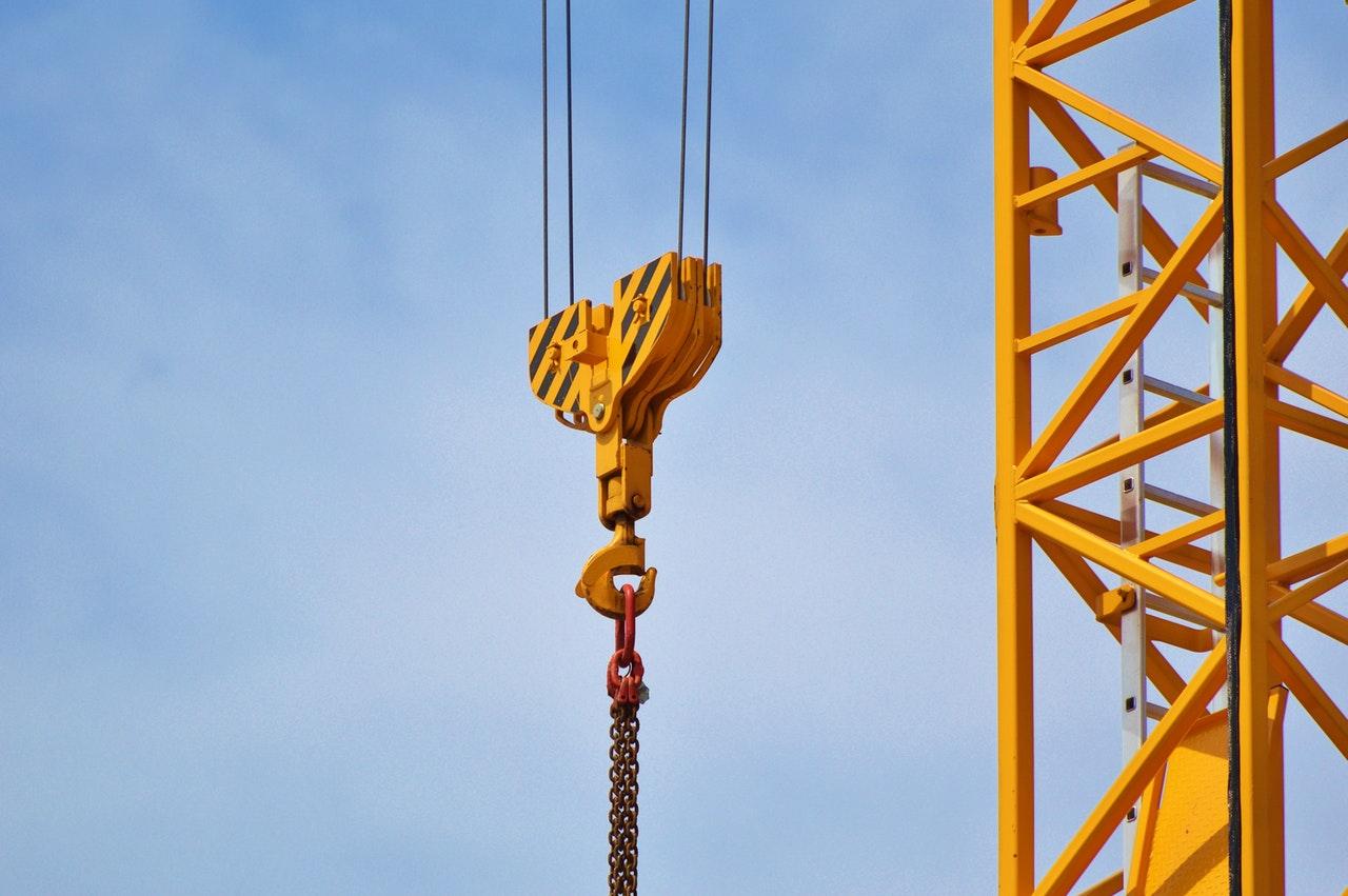 crane lifting weight