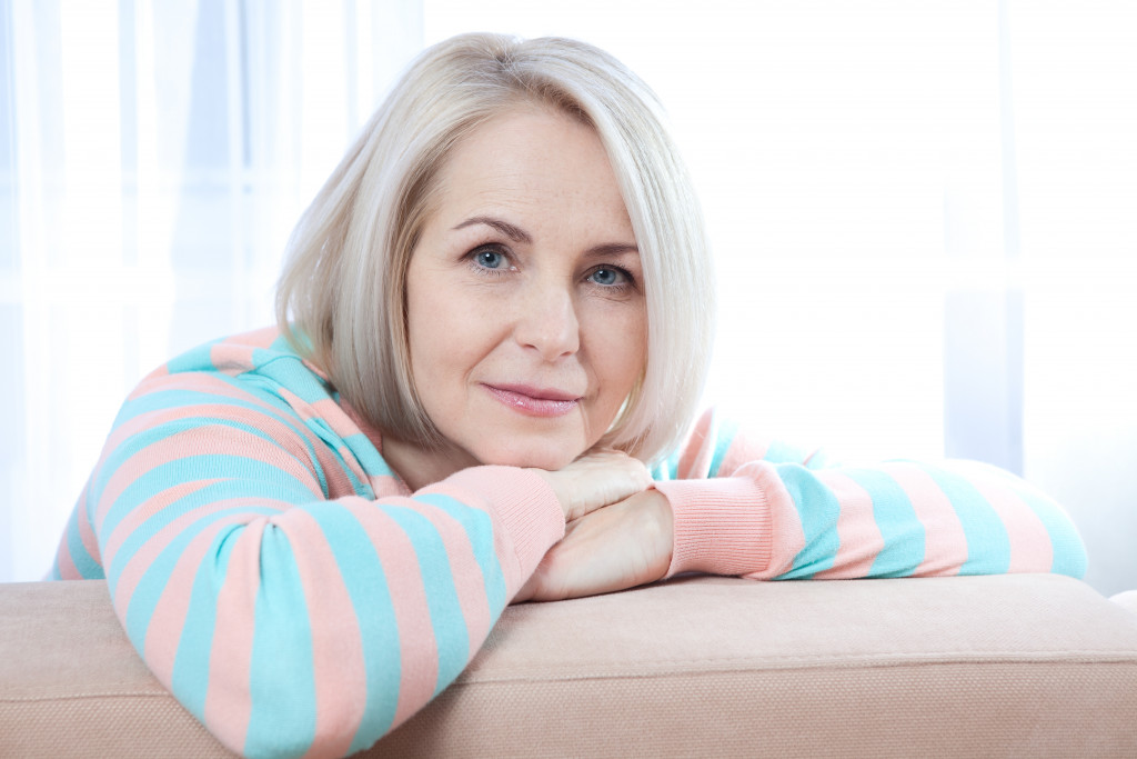 woman in mid 40s